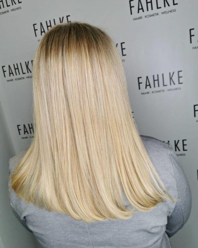 ➡️Blondie By @frittinchen . . #labiosthetique #labiosthetiqueparis #salonfahlke #friseurgütersloh #hairgoals #haircolor #fashion #hairfashion #styling #Gütersloh #hair #hairstyle #instahair #hairstyles #haircolour #haircolor #hairdye #hairdo #haircut #longhairdontcare #fashion #instafashion #straighthair #longhair #style #straight #curly #black #brown #blonde #brunette #hairoftheday