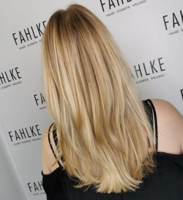 Balayage 💛 By @frittinchen . . . #labiosthetiqueparis #labiosthetique #salonfahlke #friseurgütersloh #hairgoals #haircolor #fashion #hairfashion #styling #Gütersloh #hair #hairstyle #instahair #hairstyles #haircolour #haircolor #hairdye #hairdo #haircut #longhairdontcare #fashion #instafashion #straighthair #longhair #style #straight #curly #black #brown #blonde #blondehair #balayage