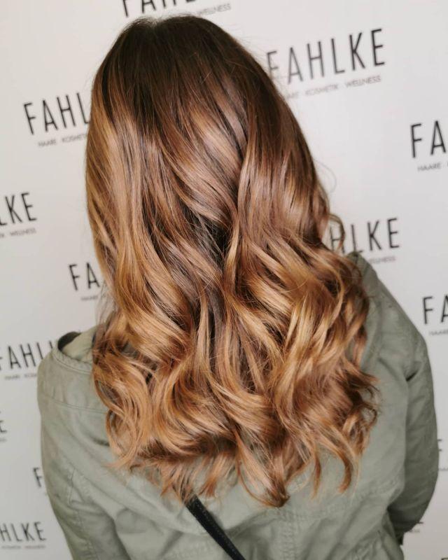 Caramel Balayage. By @cutandcolor.by.tina . . #hairgoals #haircolor #fashion #hairfashion #styling #Gütersloh #hair #hairstyle #instahair #hairstyles #haircolour #haircolor #hairdye #hairdo #haircut #longhairdontcare #fashion #instafashion #straighthair #longhair #style #straight #curly #black #brown #blonde #brunette #hairoftheday #hairideas #balayage #caramelbalayage